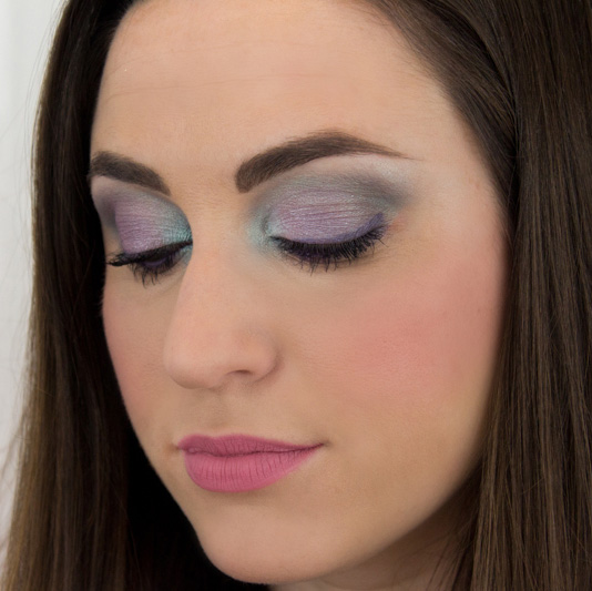 Makeup Inspiration: Fresh Flowers From Your Eyeshadow Palette
