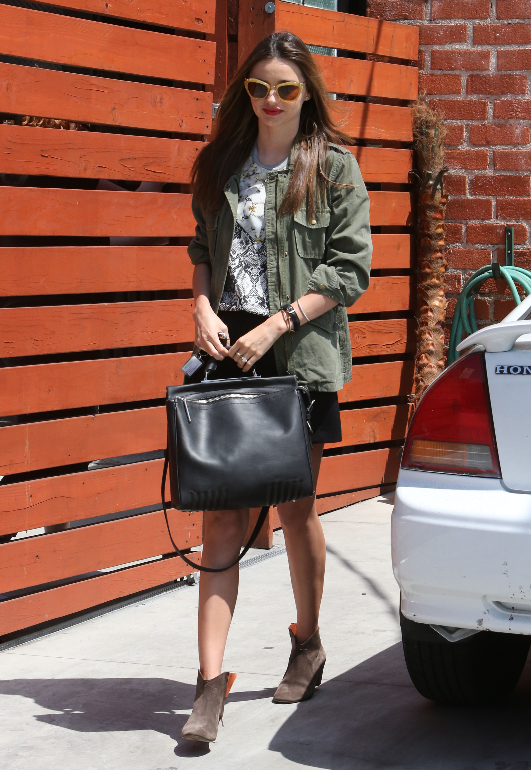 Get The Look: Miranda Kerr's Relaxed and Chic Style