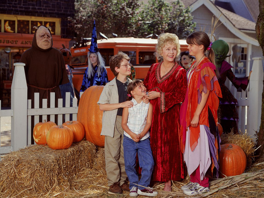 10 Reasons Why Halloweentown Needs To Be Real