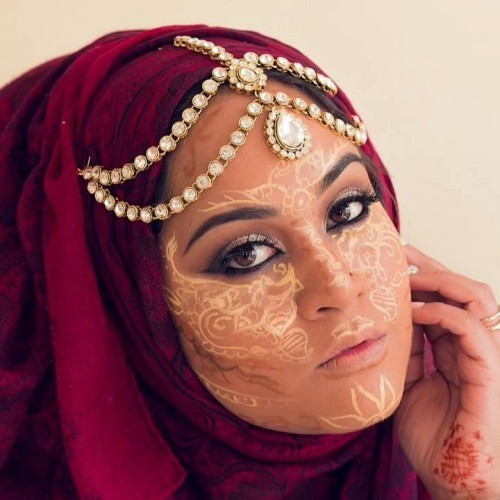 What's the Deal with Henna Contouring?