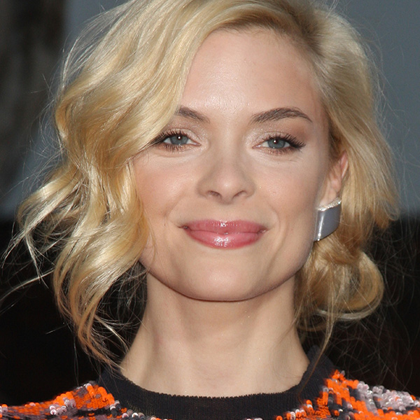 Jaime King Updo: A Holiday Hairstyle for Short Hair
