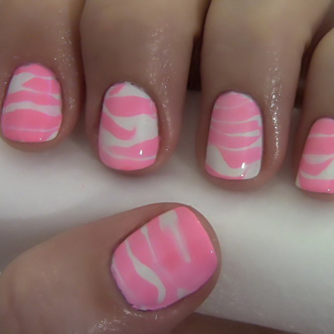 How to Create Water-Striped Nails