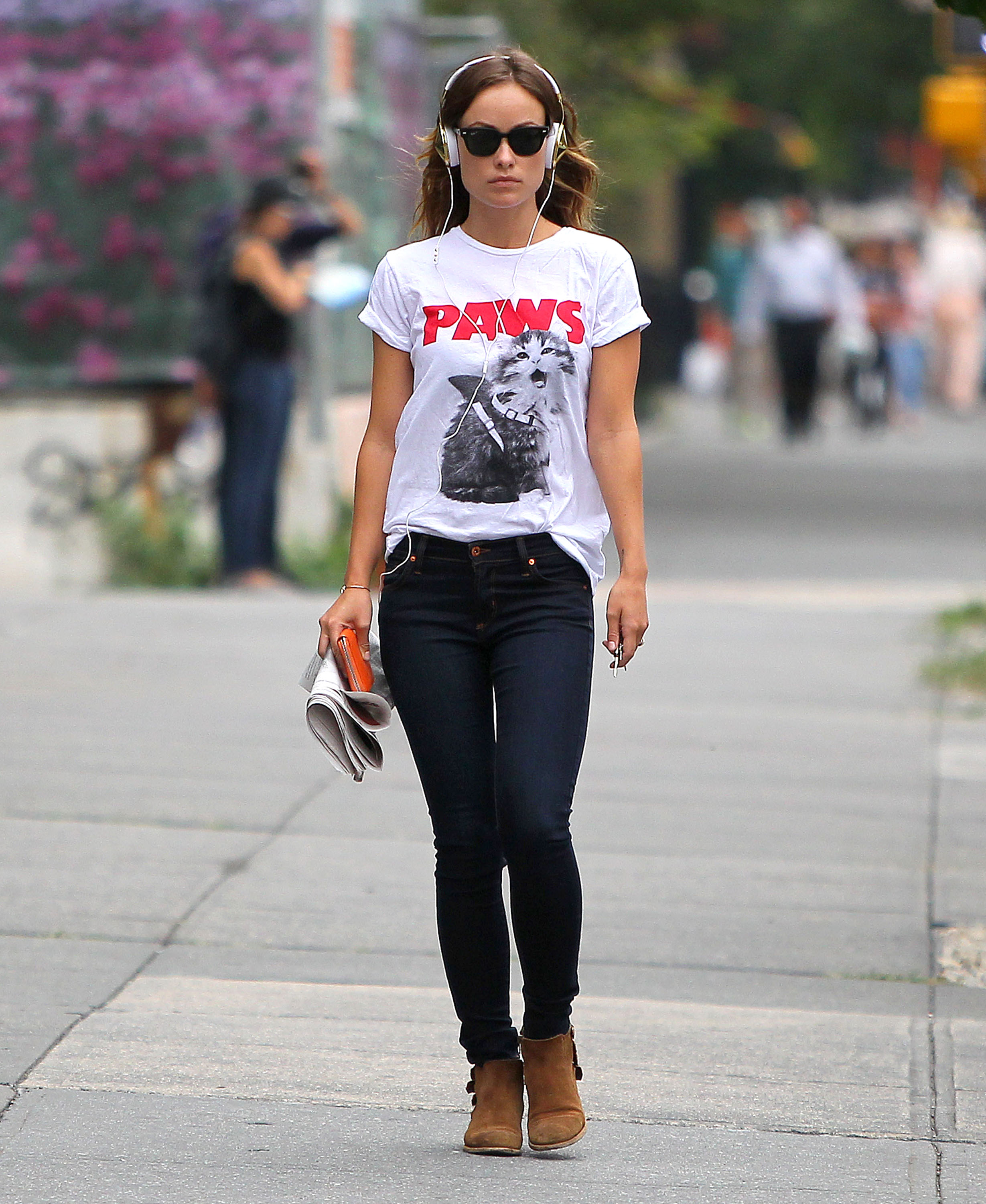 Get the Look: Olivia Wilde's Jeans and Tee