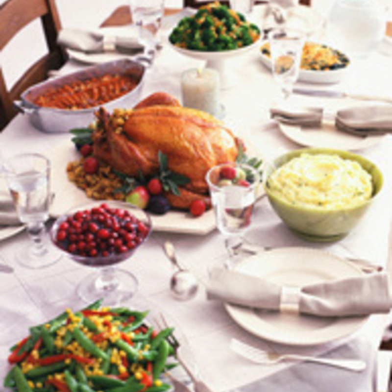 Entertain, Cook a Turkey and Remain Stress-Free This Thanksgiving!