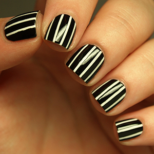 How to Create the Perfect Pinstriped Nail Design