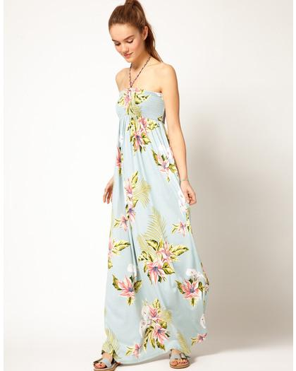 Floral-Print Maxi Dresses with a Tropical Flavor