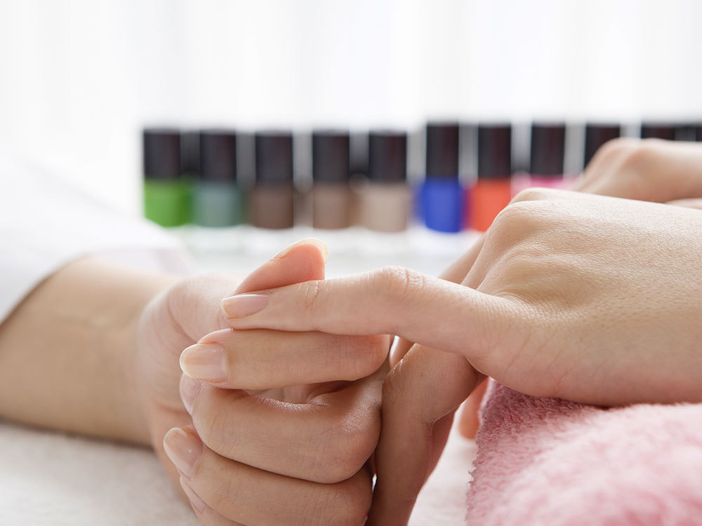 Life After Acrylic Nails: How to Return to Natural Nails After Removing Acrylics
