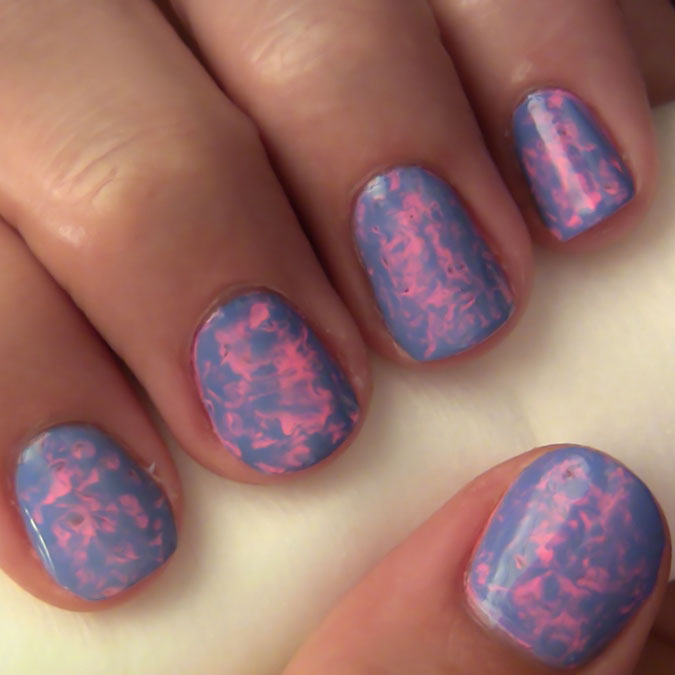 How to Get Marbled Nails with Saran Wrap