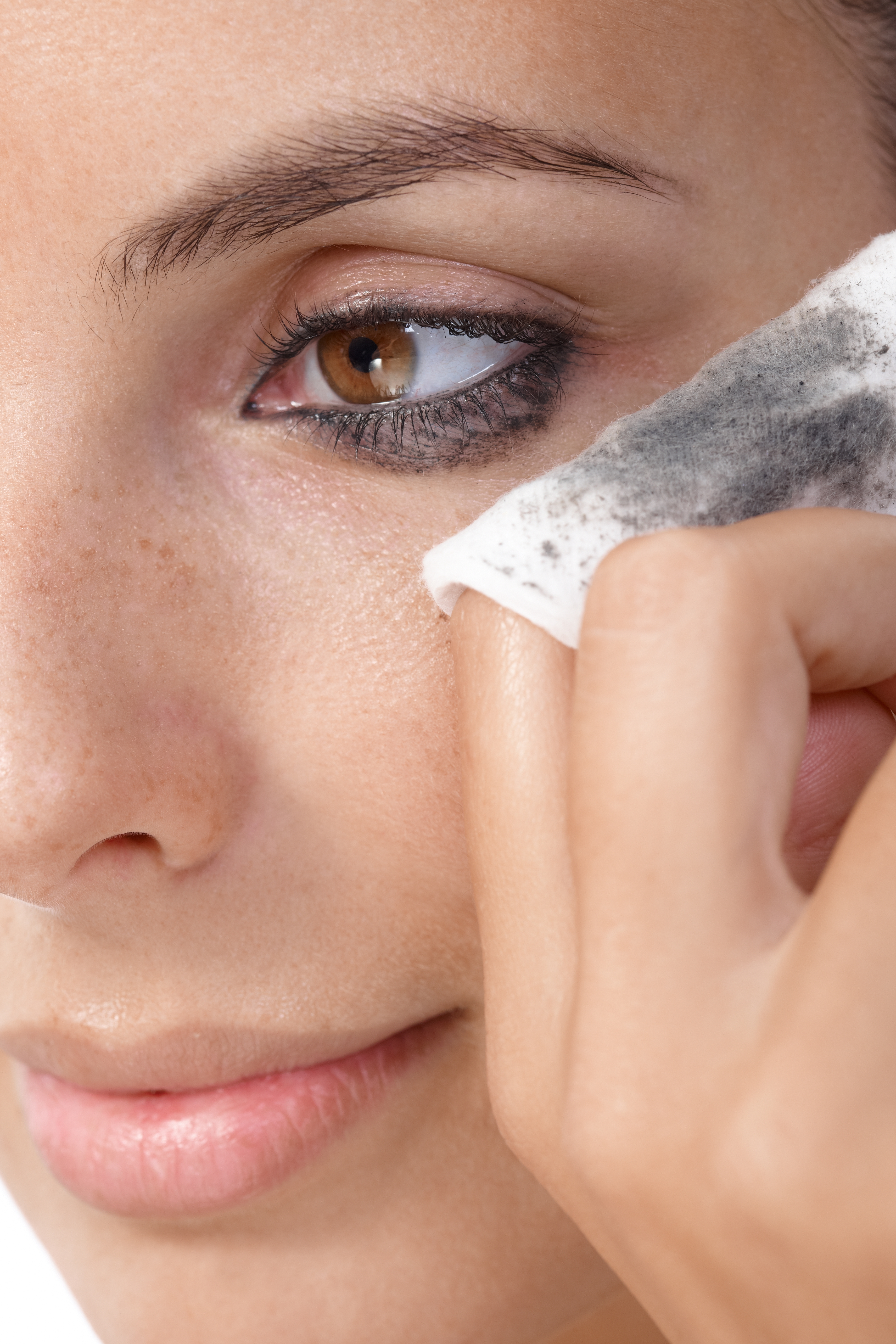 5 Great Eye-Makeup Removers Under $10
