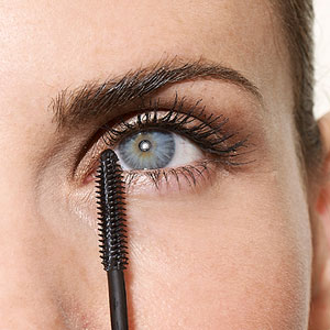 How to Get Big, Beautiful Lashes