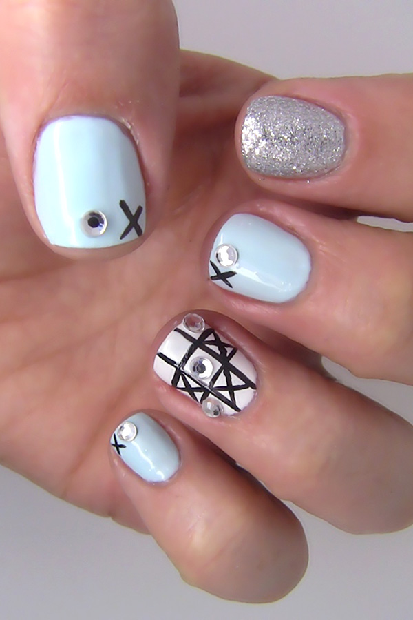 Nail Art Design: Game Night Meets Mani with Tic-Tac-Toe Inspiration