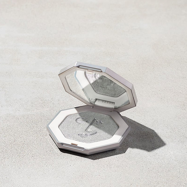 Fenty Beauty silver highlighter