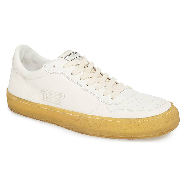 White men's sneakers with vintage gum sole