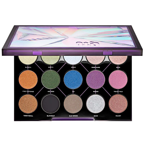 Eyeshadow palette with 15 shades